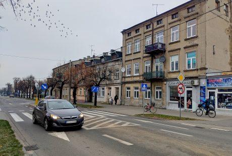 Na zdjęciu front kamienicy przy ul. Sieradzkiej 26.