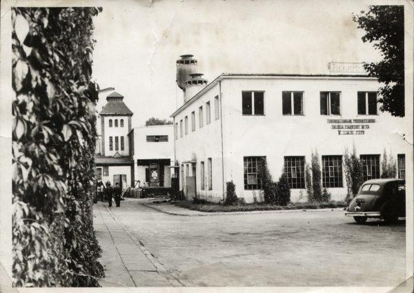 Historyczne zdjęcie fabryk
