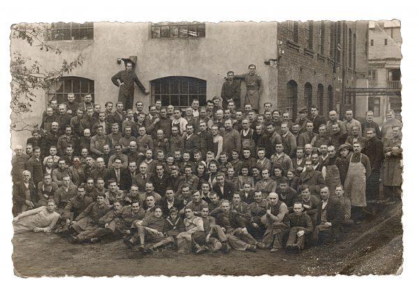 Historyczne zdjęcie załogi Skogaru