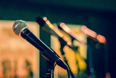 Rząd mikrofonów